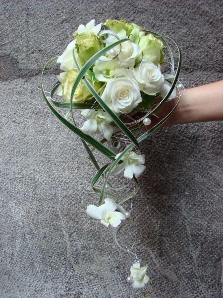 Bouquets de mariee modernes la tulipe noire - Bouquet mariee original ...